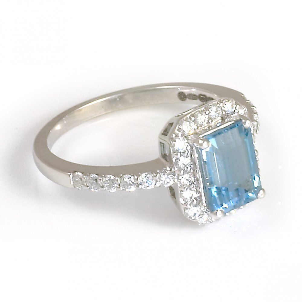18ct white gold aquamarine and cluster ring from