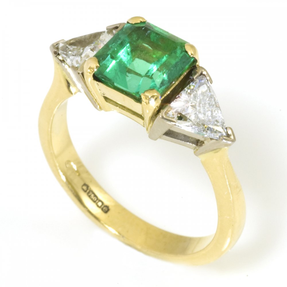 18ct yellow gold emerald and ring from wrights